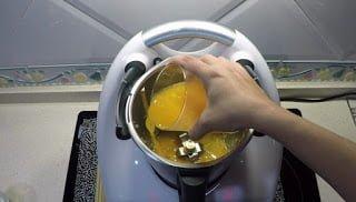 Zumo de naranja para la salsa de naranja