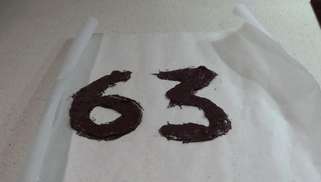 Cómo hacer números caseros de chocolate