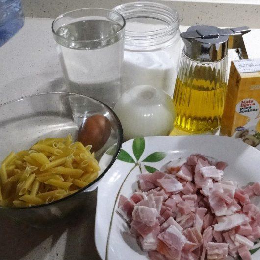 Ingredientes para hacer los macarrones a la carbonara