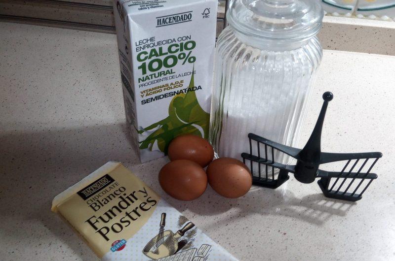 Ingredientes de natillas cocholate blanco con Thermomix.