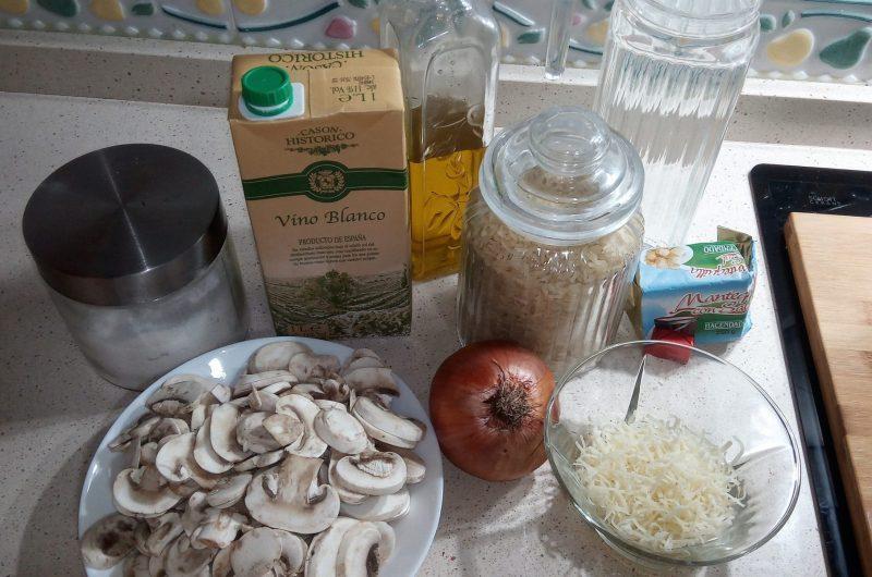 Ingredientes para hacer risotto de setas con Thermomix.