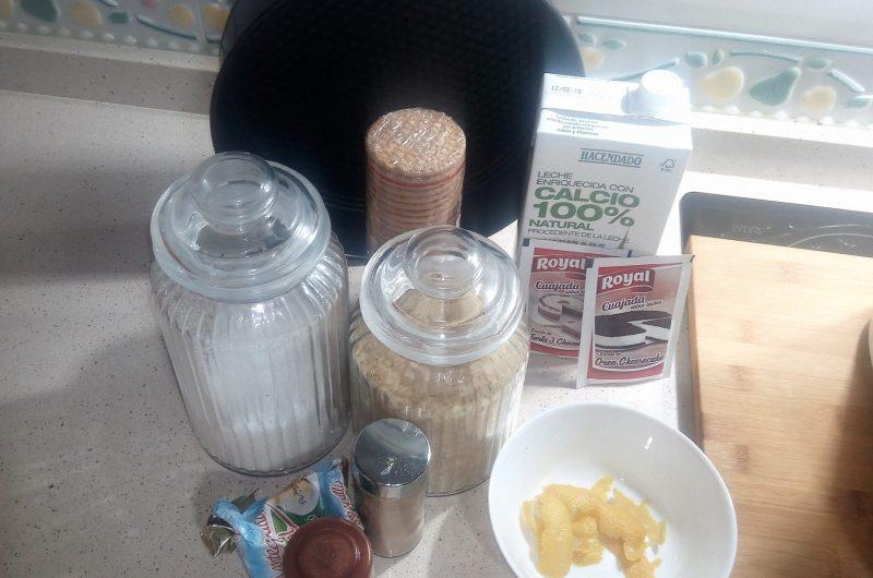 Ingredientes para hacer la tarta de arroz con leche.