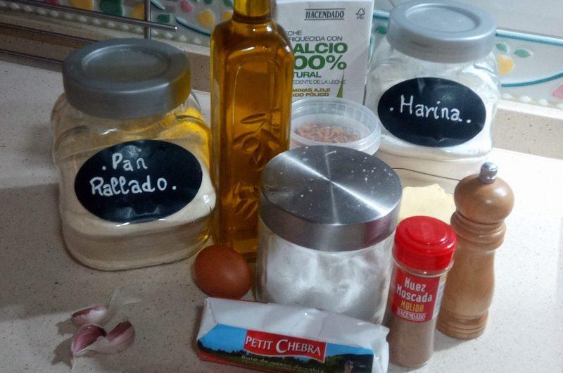 Ingredientes para hacer las croquetas de cebolla frita y queso de cabra en Thermomix