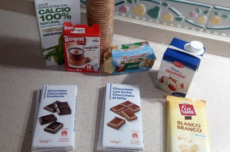 Ingredientes para hacer vasitos de 3 chocolates en Thermomix tm5