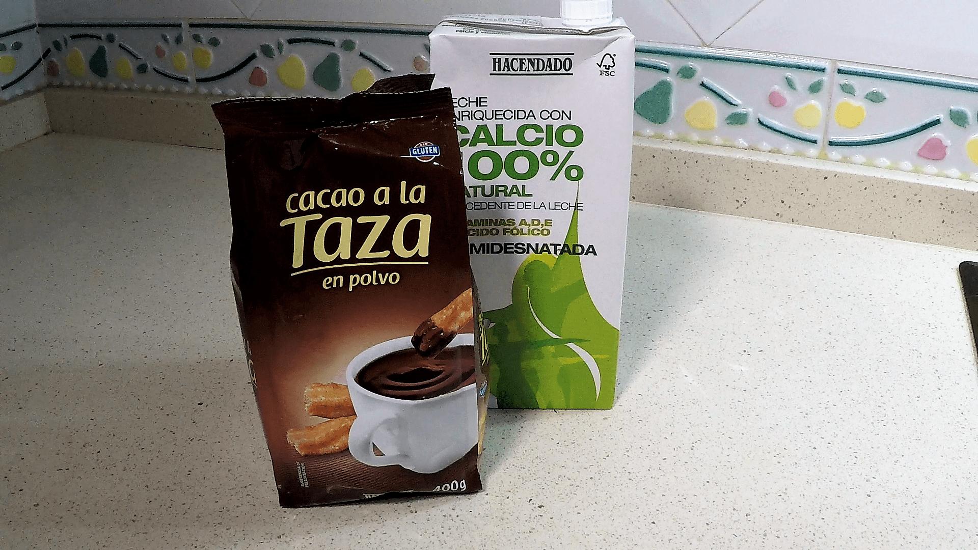 Los ingredientes necesarios para hacer chocolate a la taza con Thermomix