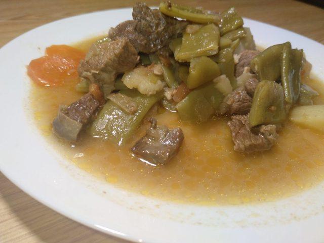 Judías verdes en carne guisada con olla GM