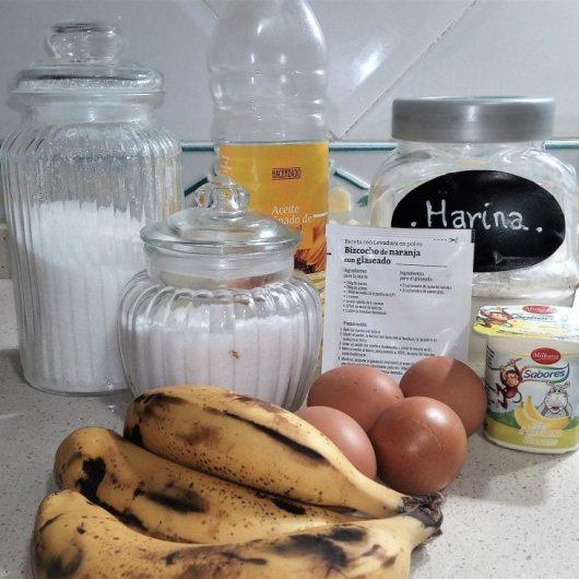 Ingredientes para hacer el bizcocho de platanos en el varoma de la Thermomix