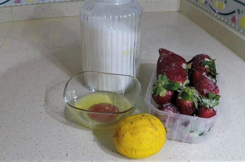 Ingredientes para hacer espuma de fresas en Thermomix