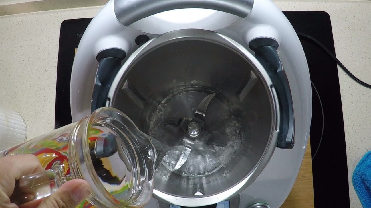 Calentar agua en Thermomix