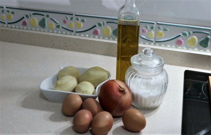 Ingredientes para hacer la tortilla de patatas en Mambo
