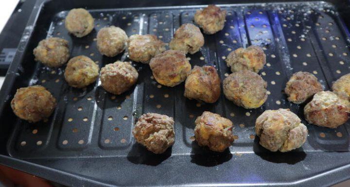 Las albóndigas hechas al horno sanas