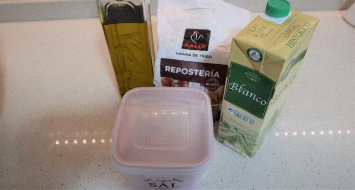 Ingredientes para hacer masa de empanadilla en Thermomix