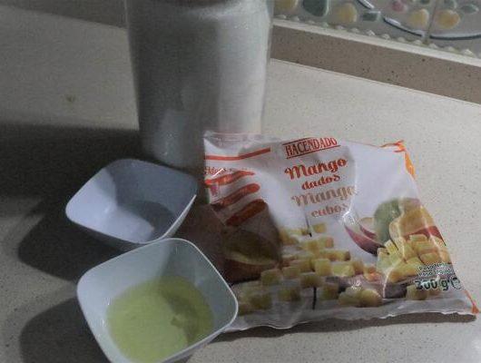¿Qué ingredientes necesito para hacer mousse de mango en Mambo?