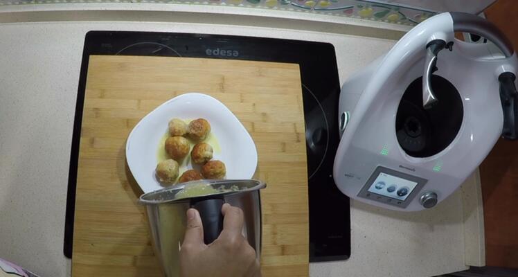 Cómo hacer salsa para hacer albóndigas con Thermomix