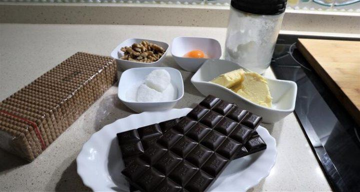 los Ingredientes para hacer salchichón de chocolate