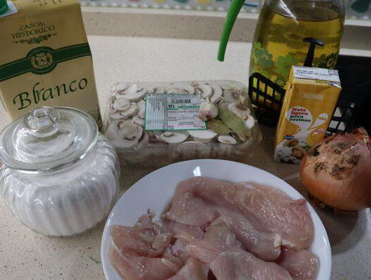 Ingredientes para hacer pollo con nata y champiñones en Mambo