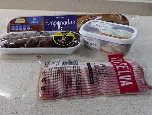 Ingredientes necesarios para hacer la empanada de bacon y dátiles casera