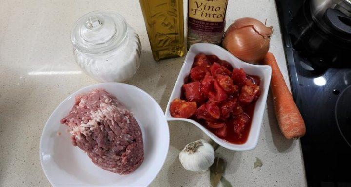 ¿Qué ingredientes necesito para hacer salsa boloñesa con Thermomix?
