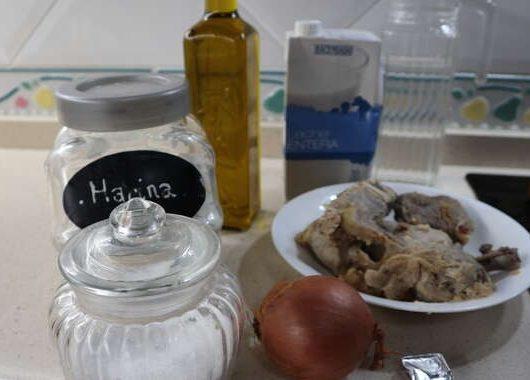 Los ingredientes necesarios para hacer las croquetas de cocido con Mambo de Cecotec