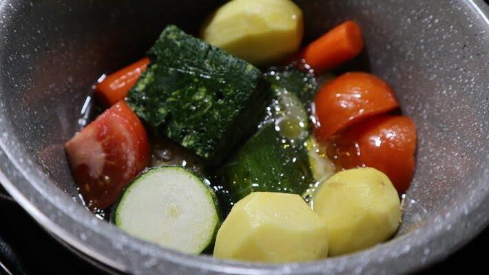 Cómo hacer el puré de verduras variadas con la Olla rápida