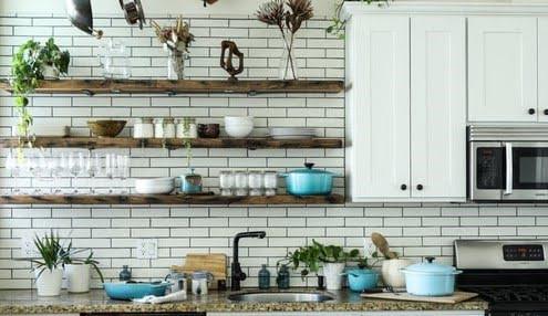 Secar y guardar los utensilios de cocina de manera adecuada