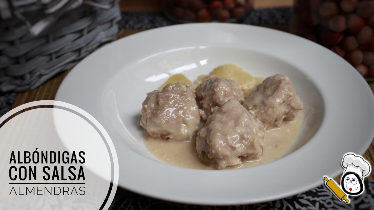 Cómo hacer unas albóndigas en salsa de almendras con Mambo de Cecotec