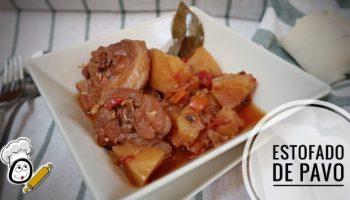 Plato de la receta de estofado de pavo