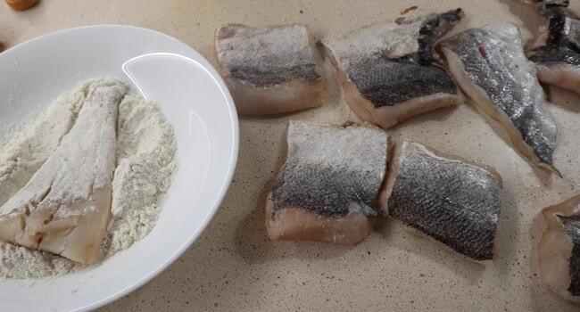 Pasamos el pescado por harina