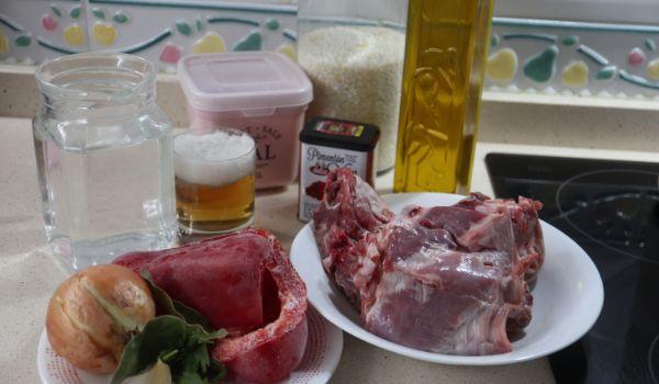 Los ingredientes necesarios para hacer la receta de arroz con cordero en Thermomix
