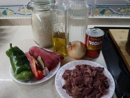 Los ingredientes necesarios para hacer arroz con hígado en Mambo