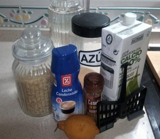 Los ingredientes necesarios para hacer la receta de arroz con leche en Mamabo