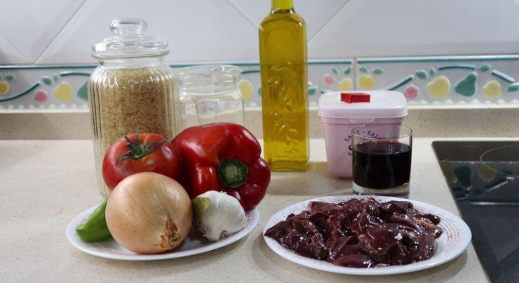 Los ingredientes necesarios para hacer arroz con hígado en Thermomix
