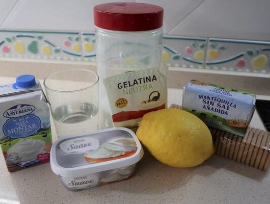 Ingredientes para hacer la base de la tarta de limón