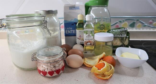 Los ingredientes necesarios para hacer la Coca de San Juan en Thermomix