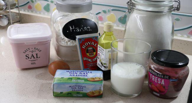 Los ingredientes necesarios para hacer las galletas de corazón en Thermomix