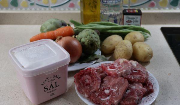 Los ingredientes necesarios para hacer la receta de cordero guisado en Thermomix