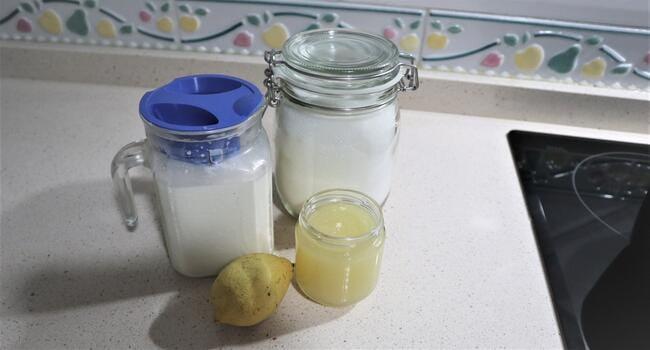 Los ingredientes necesarios para hacer helado de limón con Mambo