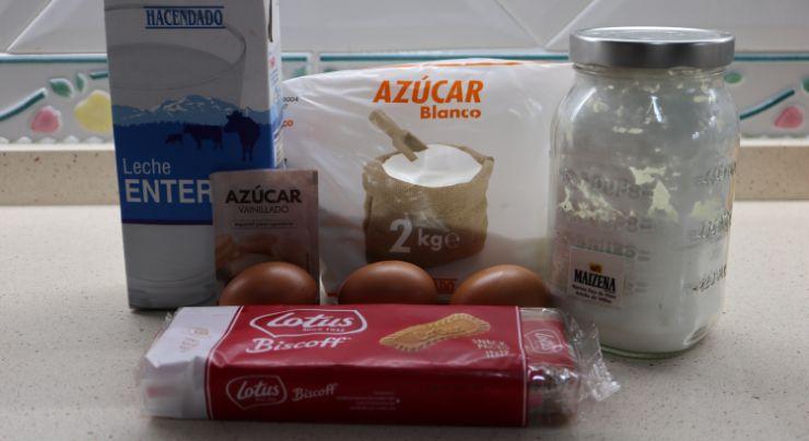 Los ingredientes necesarios para hacer natillas de galletas Lotus de Thermomix