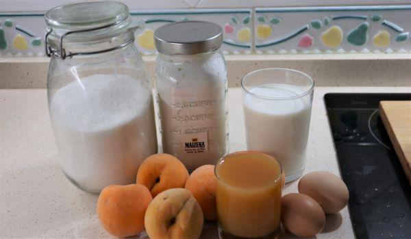Los ingredientes necesarios para hacer natillas de melocotón