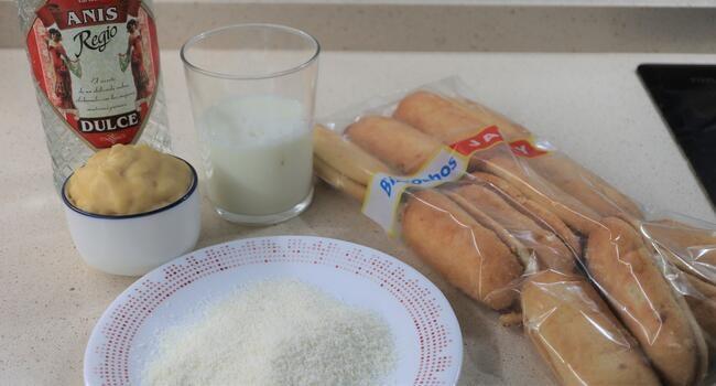 Los ingredientes para hacer pastelitos de coco con Thermomix