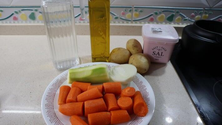 Los ingredientes necesarios para hacer puré de zanahorias en Mambo