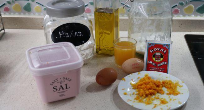 LOs ingredientes necesarios para hacer las roscas de naranja en Thermomix