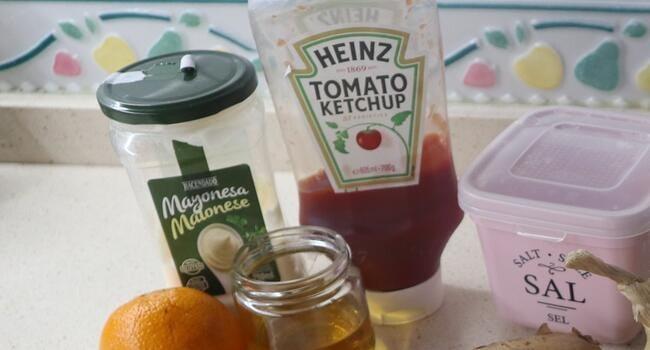 Los ingredientes necesarios para hacer salsa rosa casera Thermomix