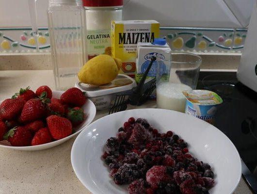 Los ingredientes necesarios para hacer tarta de fresa con queso en Thermomix