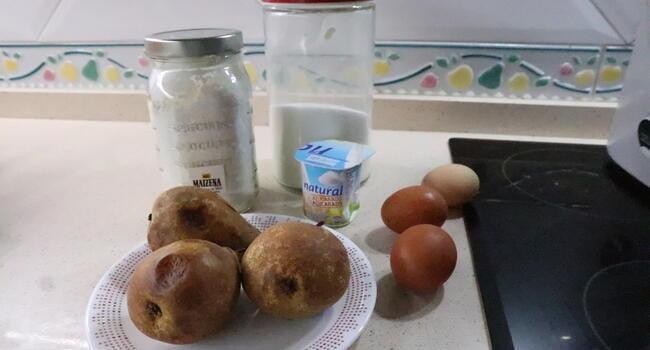 Los ingredientes necesarios para hacer la tarta de pera en Thermomix