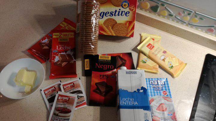 Los ingredientes necesarios para hacer la tarta de tres chocolates en Thermomix