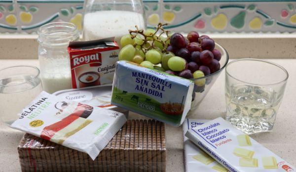 Los ingredientes necesarios para hacer la tarta de uvas y queso en Thermomix