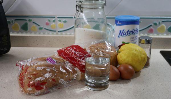 Los ingredientes necesarios para hacer torrijas con leche condensada Thermomix