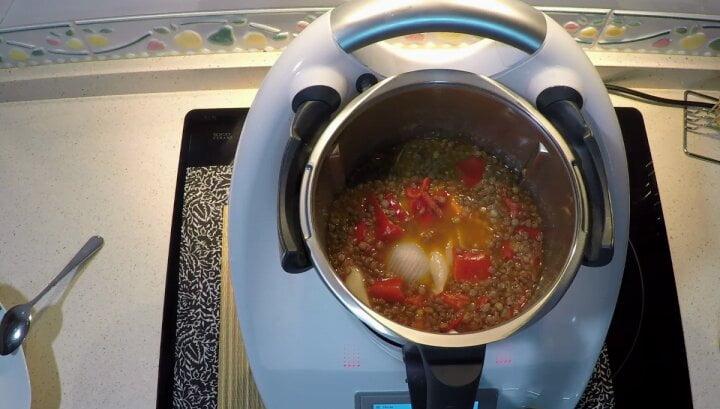 Ya tenemos lista nuestra deliciosa y rica receta de lentejas estofadas Hecha con el robot de cocina de Thermomix