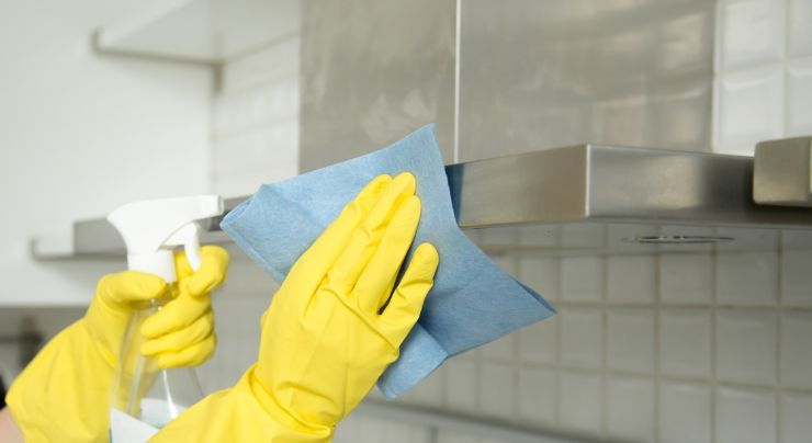 Trucos para limpiar el acero inoxidable de la campana de la cocina